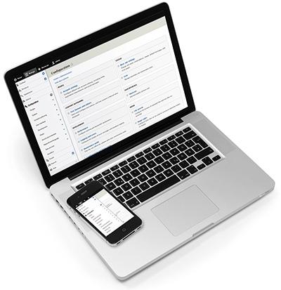 Laptop und Smartphone mit Drupal-Backend